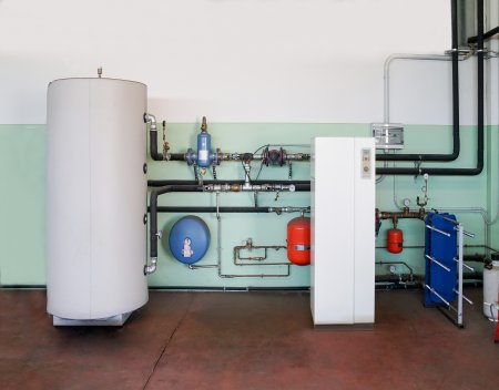 What is the Difference Between a Heat Pump and a Furnace?